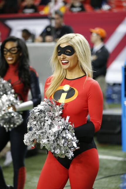 No todo es terror en Halloween, las porristas de la NFL mostraron su lad...