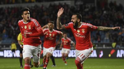 Raúl Jiménez entra de cambio para darle el triunfo al Benfica y mantener el liderato