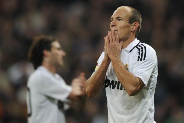 Arjen Robben llegó al Madrid procedente del Chelsea en una operación que...