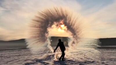 De agua hirviendo a hielo en segundos, estas bellas imágenes te mostrarán lo que es el frío extremo