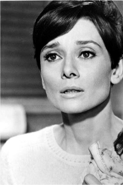 Sea verdad o no, lo que sí sabemos es que Audrey Hepburn vivirá por siem...