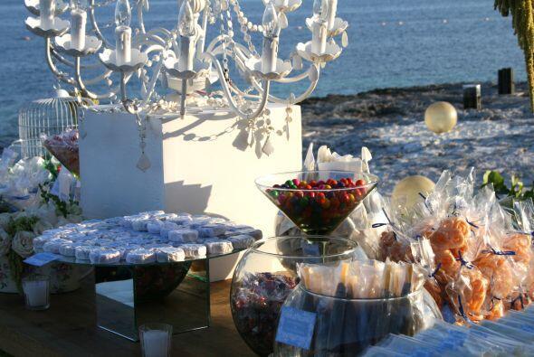 La mesa de dulces no podía faltar para deleitar el paladar a sus invitados.