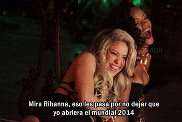Shakira burlándose. Todo sobre el Mundial de Brasil 2014.