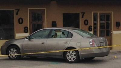Un tiroteo dejó a dos heridos, y dañó el auto de la alcaldesa Ivy Taylor...