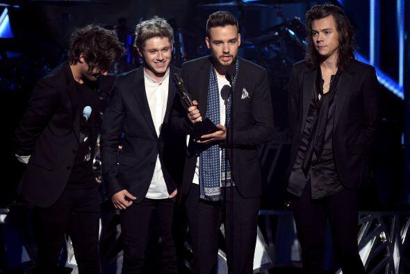 One Direction fue la primer banda que tuvo el privilegio de subir al esc...