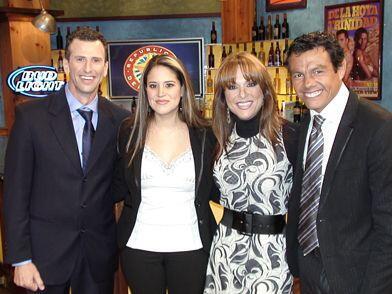 """La familia del """"Tiburón"""" en el Bar."""