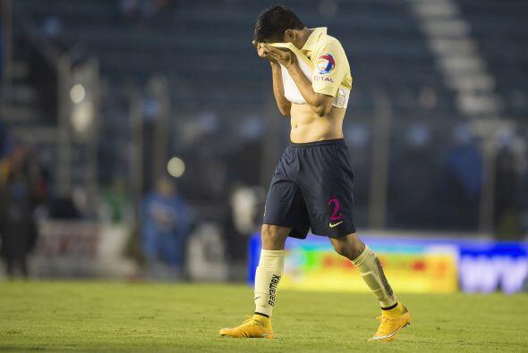 Distracciones como las que le costaron 2 de los 3 goles que anotó Querét...