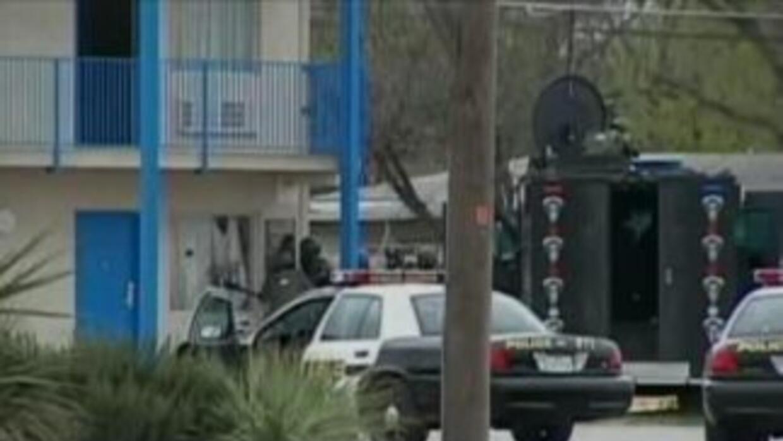 El sospechoso se refugió por más de tres horas en una habitación del hot...