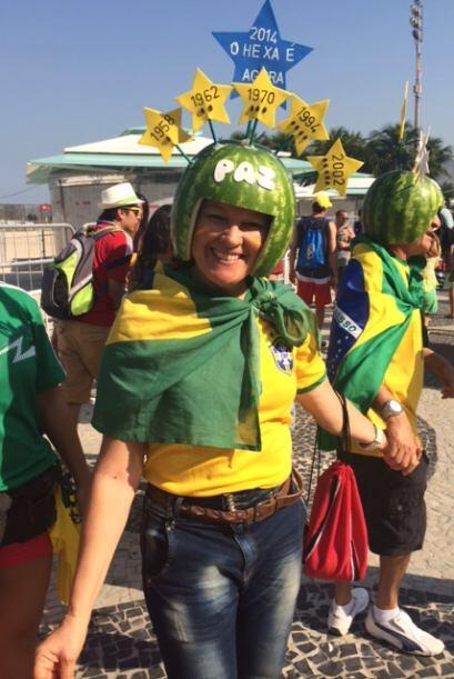 Pero los brasileños también sacaron su lado más folclórico y colorido.