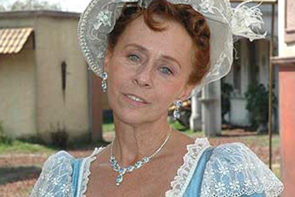 "En la telenovela ""Alborada"", se llevaba un vestido menos amplio pero seg..."