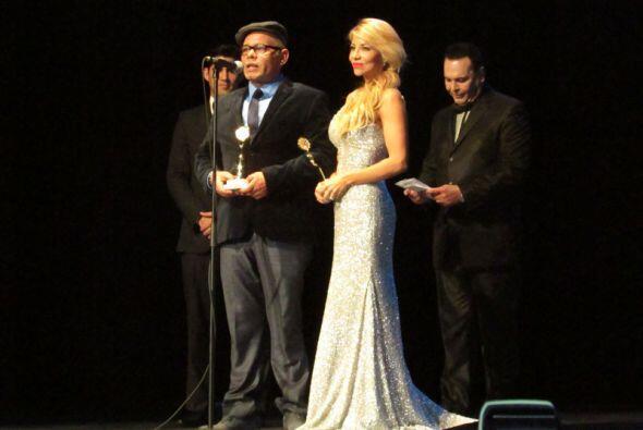 El equipo de 107.5 Amor fue premiado en los prestigiosos premios Miami L...