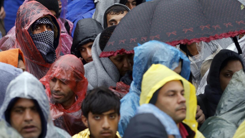 La lluvia y el frío afectan a los migrantes en Europa