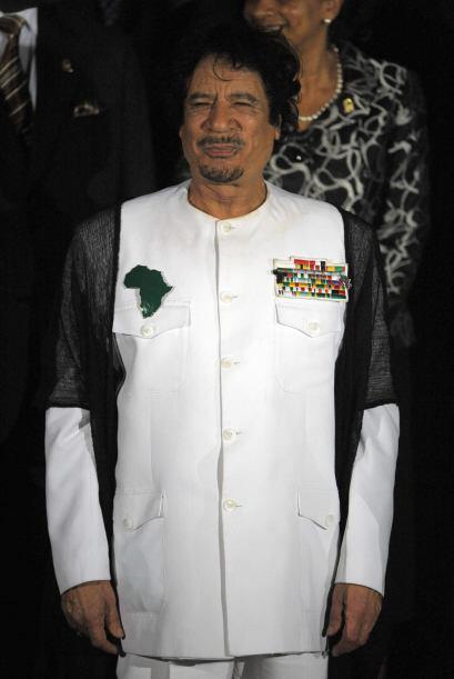 MUAMAR EL GADAFI.- Es un militar y político libio que ha estado a...