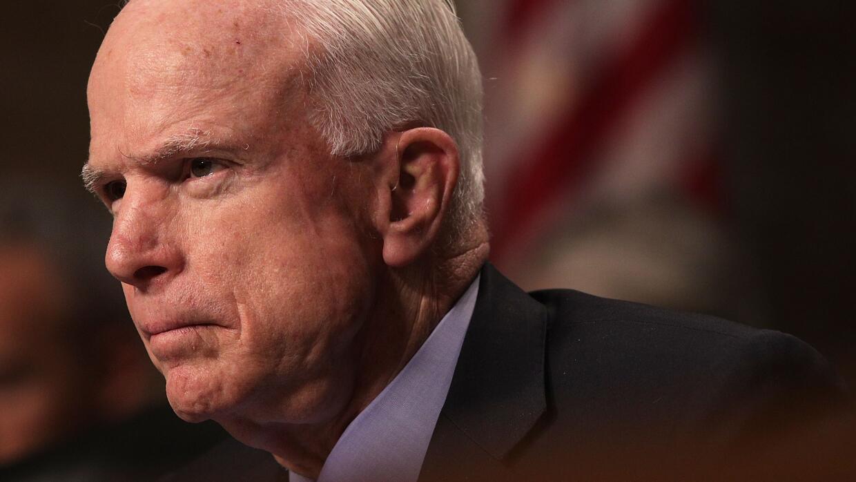 McCain, de 80 años, fue sometido a una operación el vierne...