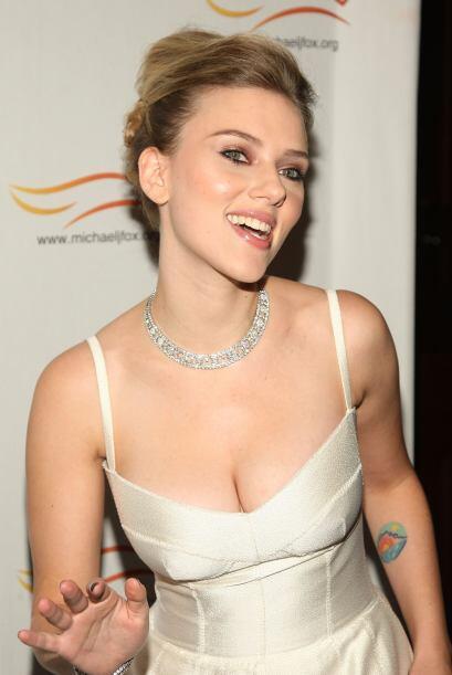 Scarlett Johansson es una mujer despampanante por donde la vean… Bueno,...