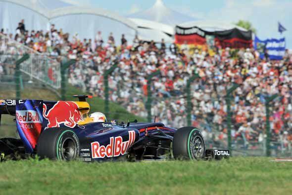 Con esta victoria Vettel entra de lleno a la lucha y podría convertirse...