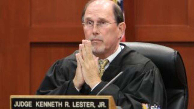 El juez del caso Trayvon Martin retrasó su decisión sobre la fianza y fi...