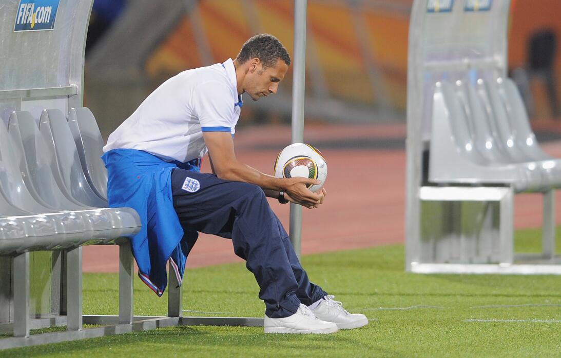 Defensa: Rio Ferdinand (Inglaterra) - Sudáfrica 2010