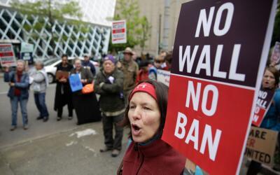 Protesta contra el veto migratorio de Donald Trump en una imagen de arch...