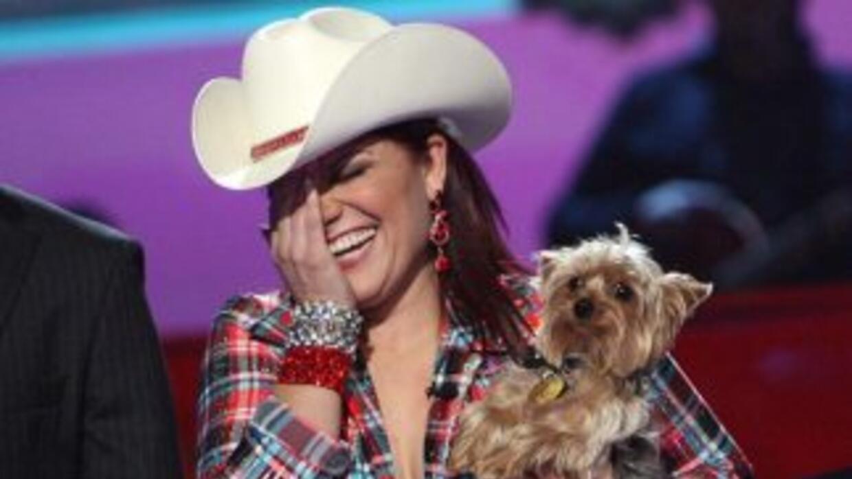 Diana sacó a su perro Japaleño en pleno vuelo y se armó el alboroto.