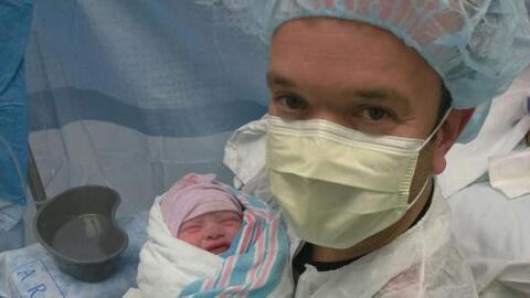 En exclusiva las primeras imágenes del bebé de Carlitos 'E...