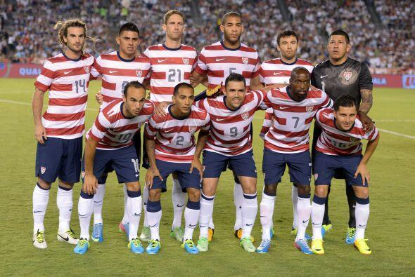 Cinco de los 11 titulares de la Selección de Estados Unidos en su partid...