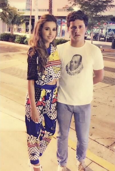 Paulina Goto y su hermano