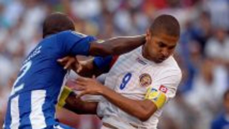 Saborío estuvo falto de contundencia y dejó ir claras ocasiones de gol a...