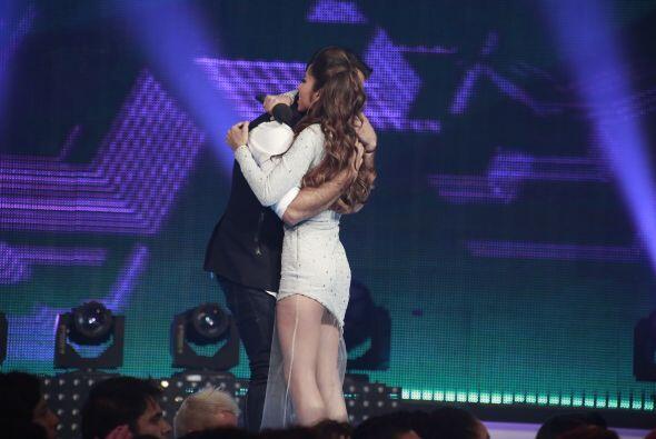 Virginia regresó con su capitán Jen, quien la abrazó feliz.