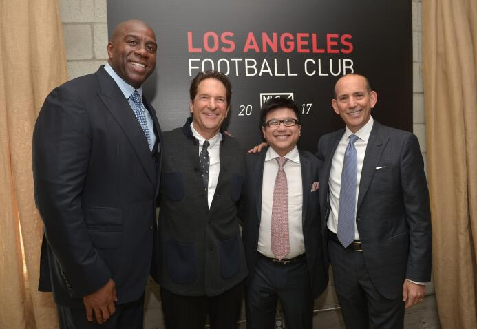 Celebridades tras Los Angeles FC, nuevo club de Carlos Vela que le coque...