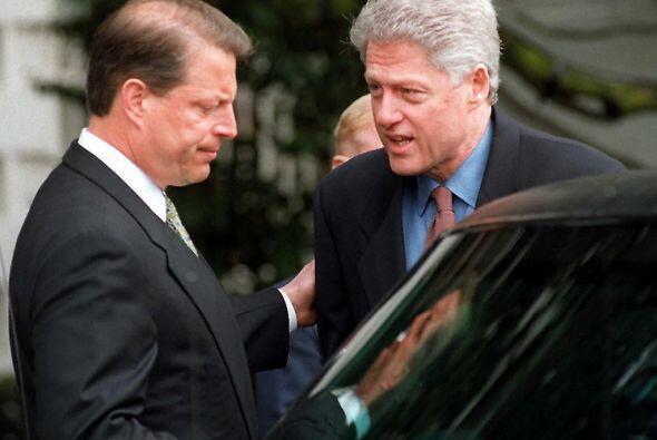 Durante la presidencia de Clinton fue aprobada la ley que permite a los...