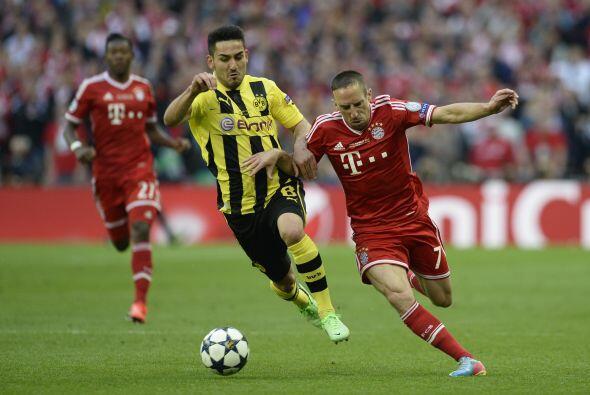 Bayern se sacó un poco el dominio del Borussia jugando a la contra y apr...