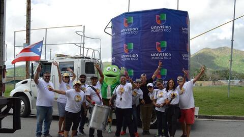 Empleados de Univision Puerto Rico y voluntarios recorren la isla como p...