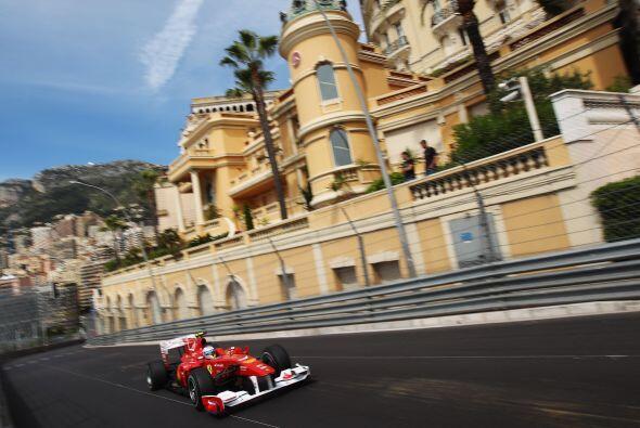 En Mónaco, realizó una gran hazaña pues debido a un accidente no pudo co...