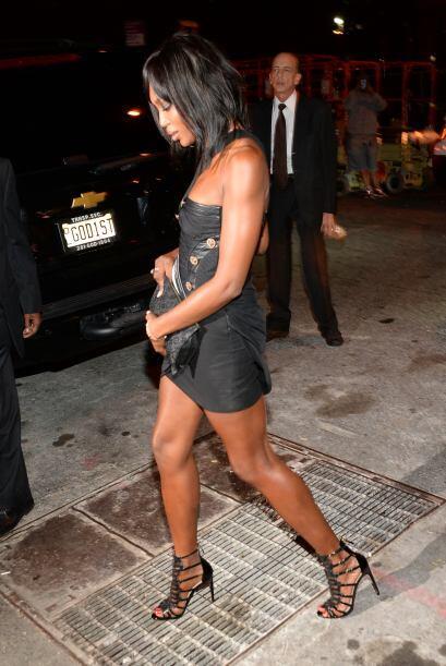 Y así se retiró la ex Top Model Naomi Campbell, esta vez no se le desaco...