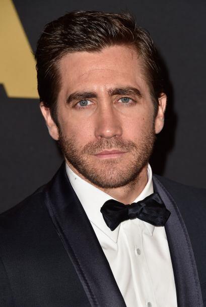 Jake Gyllenhaal llegó muy elegante.