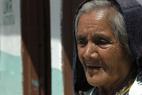Los ancianos, como la señora Hermelinda Pérez de la Cruz,...