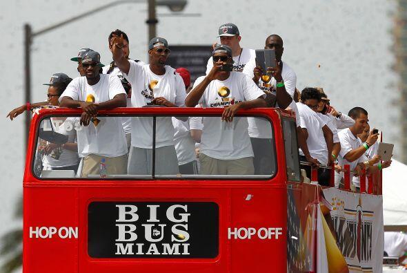 Con otra gran actuación de su astro LeBron James, el Miami Heat se coron...