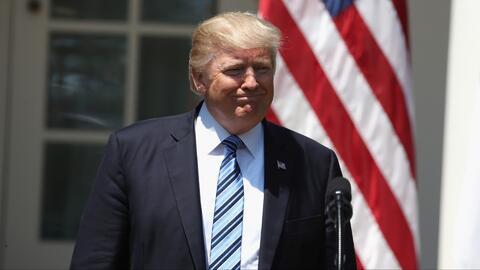 Presidente Trump entabla guerra de palabras contra periodistas