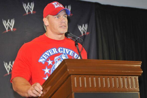 John Cena fue el encargado de anunciar que la WWE escogió a M&eac...