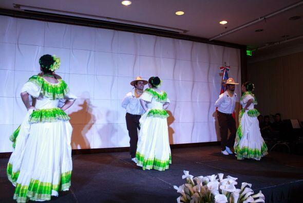El embajador mexicano en Chile, Otto Granados Roldán, encabezó esta noch...