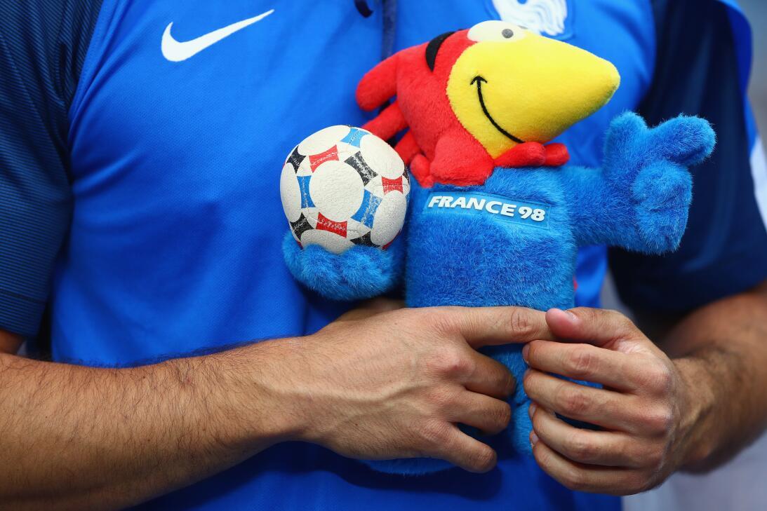 Mascotas de los Mundiales de fútbol en los últimos 30 años GettyImages-5...