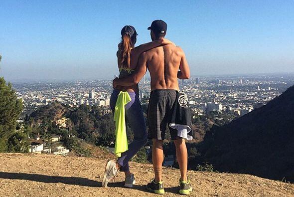 La parejita se fue a hacer ejercicio por las colinas de Los Angeles y no...