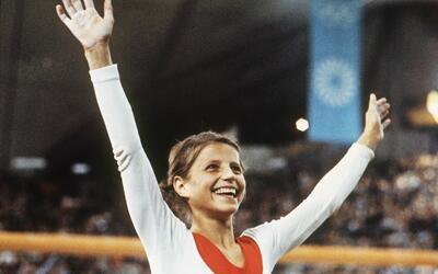 Korbut ganó cuatro medallas de oro y dos de plata en Juegos Ol&ia...