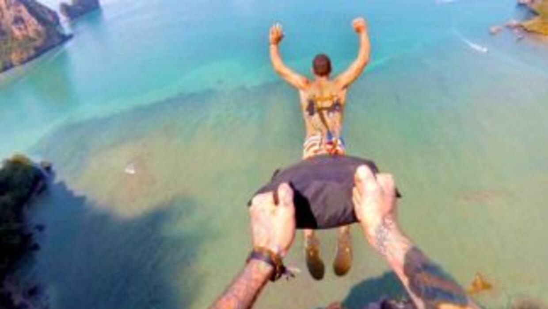 ¿Crees que hacer salto BASE es una locura? Eso no es nada a comparación...