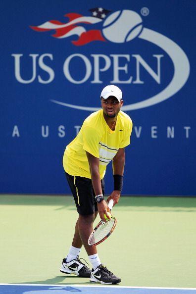 Donald Young también sorprendió al dejar fuera al número 14 de la ATP, S...