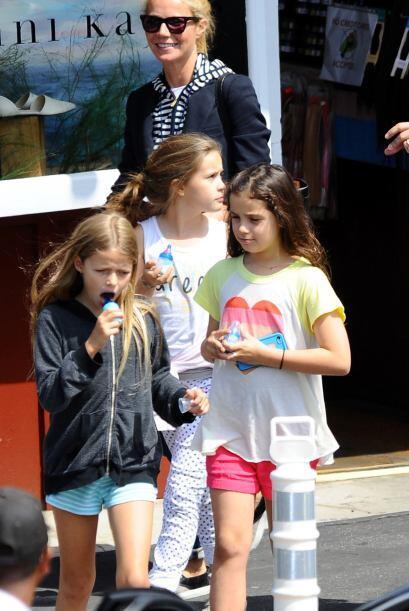 Gwyneth llevó a su hija y unas amiguitas de compras. Mira aqu&iac...