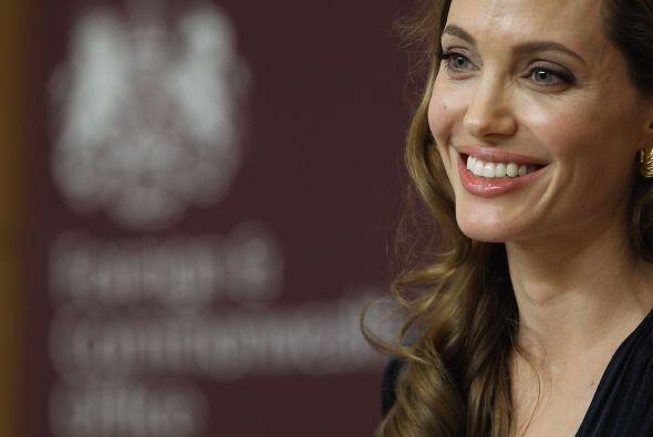 Gracias a su trabajo humanitario Angelina Jolie ocupa el peldaño 37.