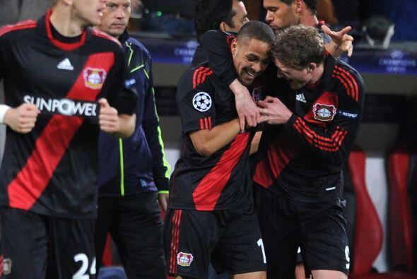 Bayer Leverkusen ganó de local y mantiene su chances.