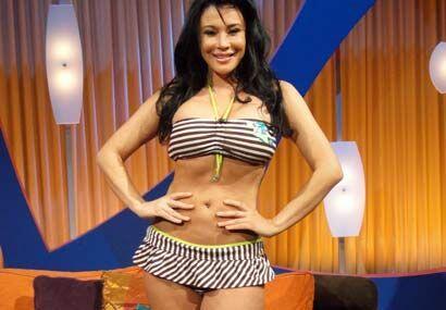 Claudia López lució su figura causando envidia entre las chicas y alboro...